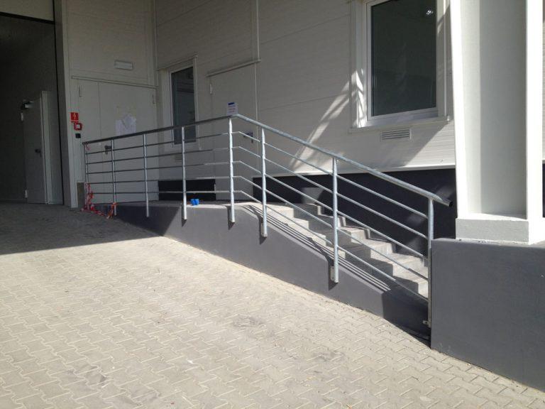 Wykonanie i montaż balustrad przemysłowych na nowym obiekcie produkcyjnym