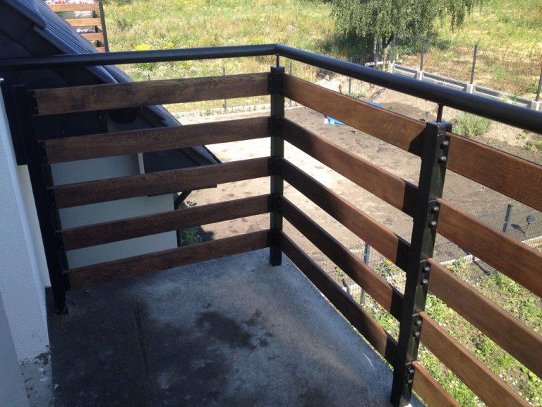 Wykonanie i montaż balustrad balkonowych stalowo drewnianych
