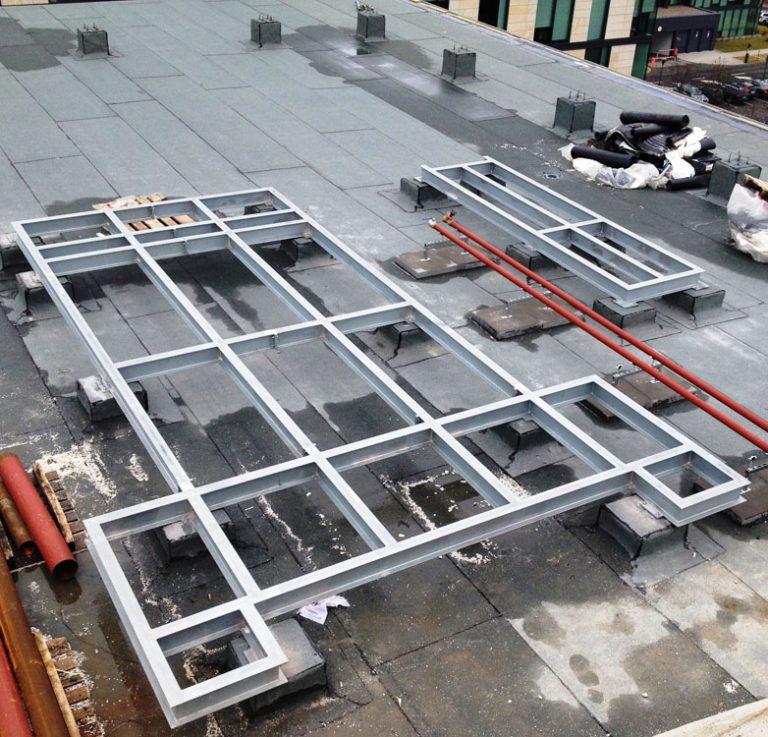 Wykonanie konstrukcji wsporczych pod centrale klimatyzacyjne.