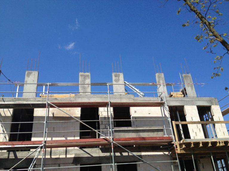 Wykonanie konstrukcji stalowej ocynkowanej – więźby dachowej budynku usługowo-mieszkalnego