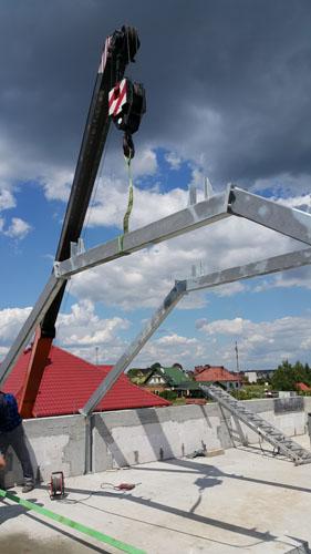 Wykonanie wsporczej stalowej więźby dachowej